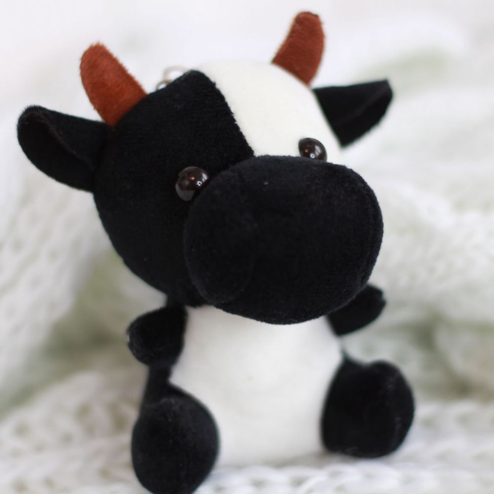 Коровка чёрная большая, 11 см