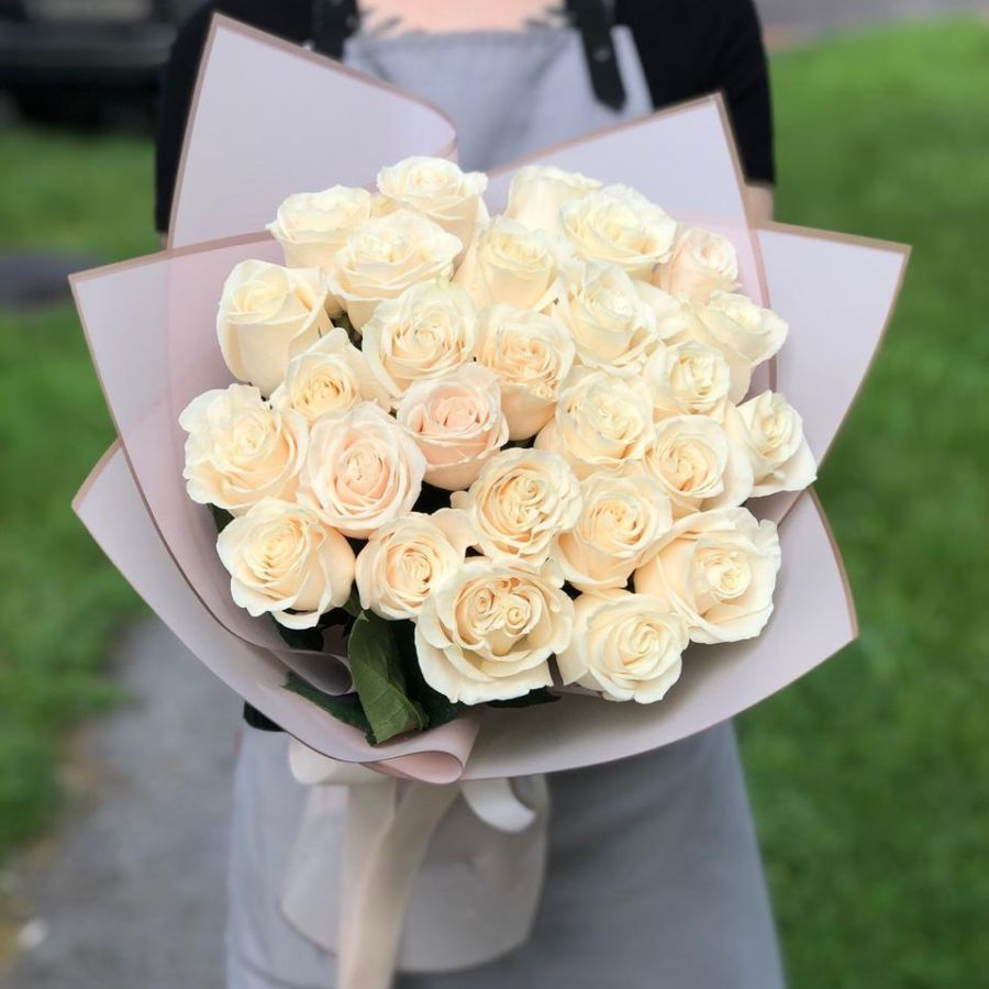 25 роз 50 см в красивой упаковке