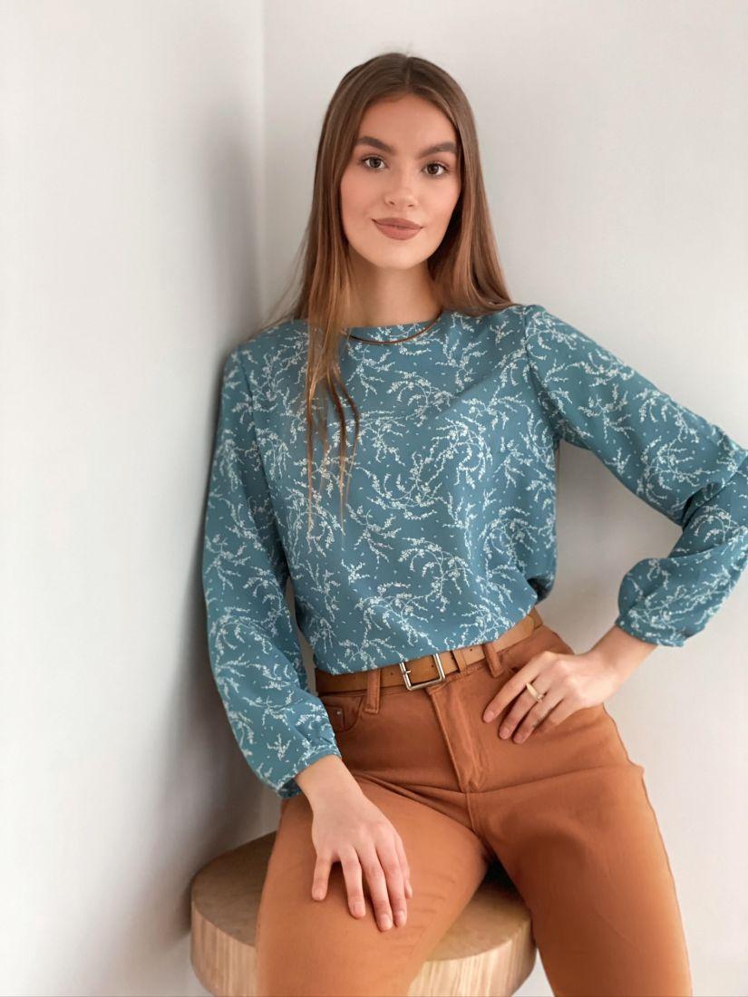 s2022 Блуза голубая с веточками