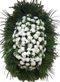 Ритуальный венок из живых цветов #23 из белых гвоздик, папоротника, робелини
