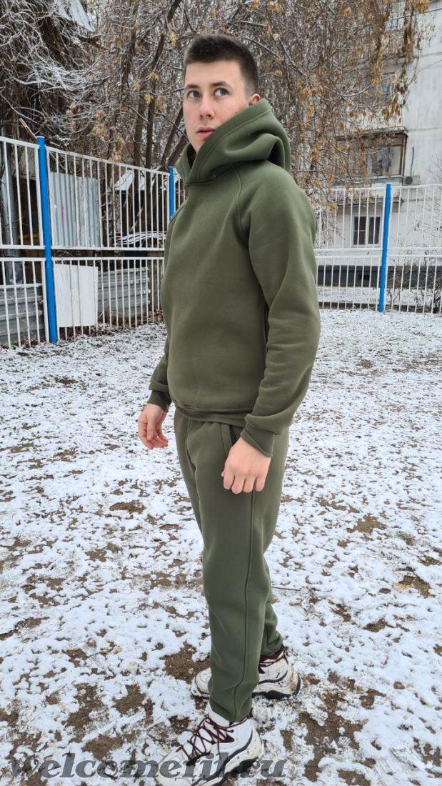 Утепленный спортивный костюм
