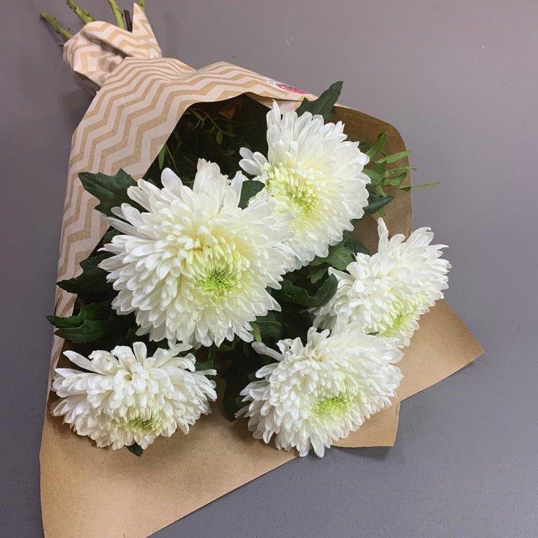 Монобукет из белых хризантем