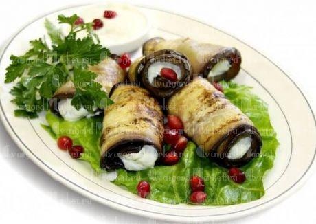 Рулетики из баклажан с сыром