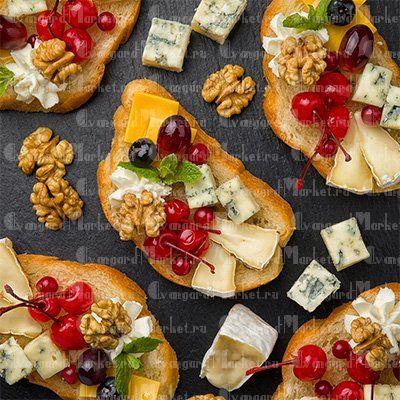 Брускетта с сырами и фруктами(6 шт)