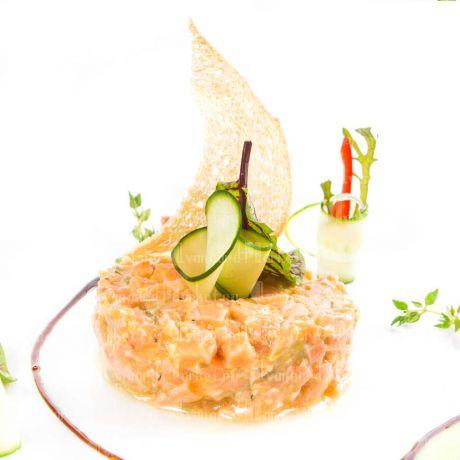 Тар-тар из лосося с икорным сыром( 5 шт)