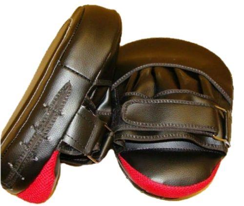 Лапа боксерская изогнутая 24х18 см/ 26х20 см, черно-красная