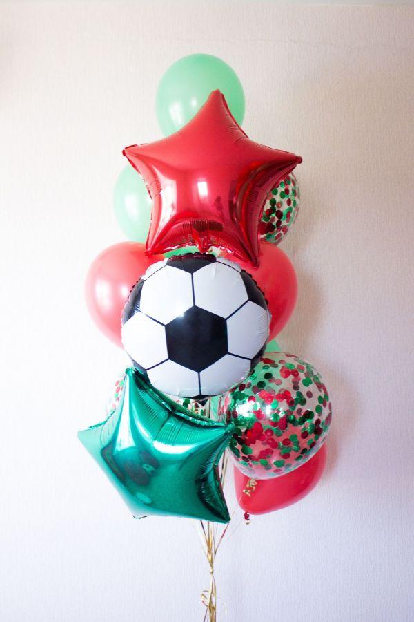 Фонтан из шаров с мячиком и звёздами