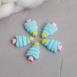 Кукольный аксессуар - Кабошон Ёлочка голубая 2.5 см