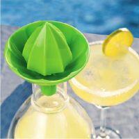 sokovyzhimalka-dlya-citrusovyh-na-butylku-simple-lemon-squeezer-6