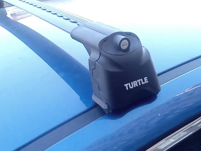 Багажник на крышу Mazda 3 (BL) 2009-2013, Turtle Air 3, аэродинамические дуги в штатные места (черный цвет)