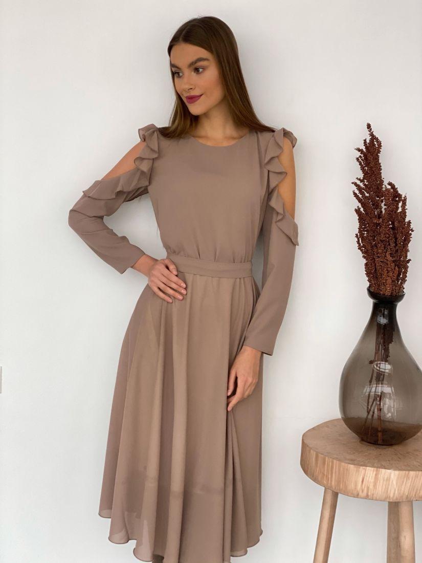 s3484 Платье из микрошифона с открытыми плечами бежевое