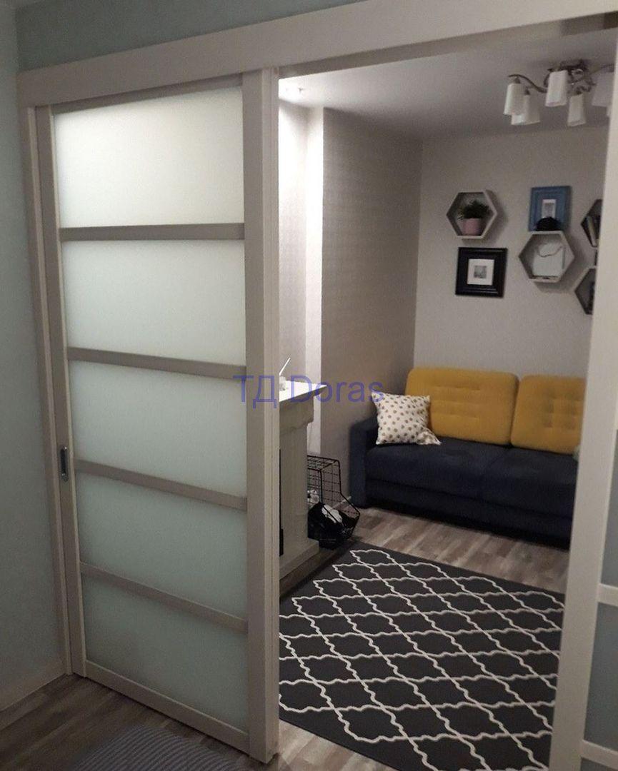 """Межкомнатна дверь """"ЧД 5"""" массив в ПВХ покрытии ПВХ, цвет Софт матовый капучино, сатинат белый"""