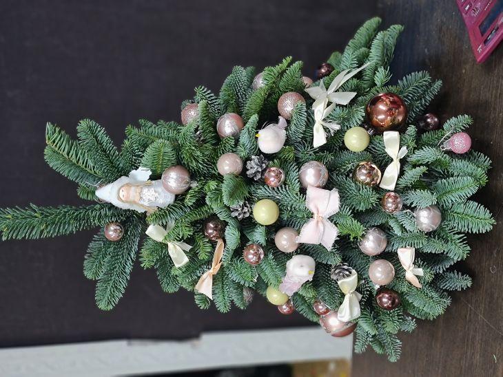 Новогодняя живая елочка