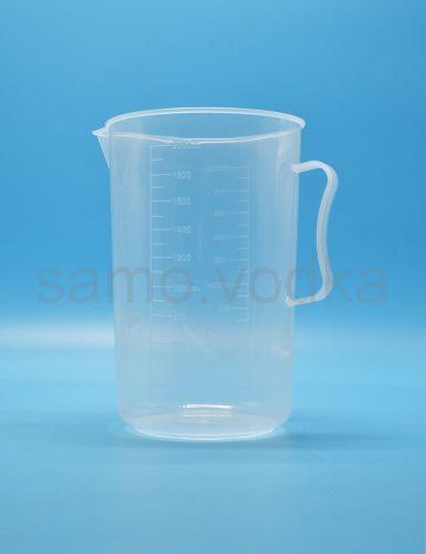Мерный стакан 2000 мл пластиковый с ручкой