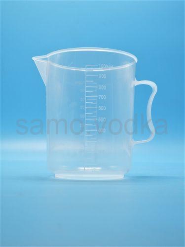 Мерный стакан 1000 мл пластиковый с ручкой
