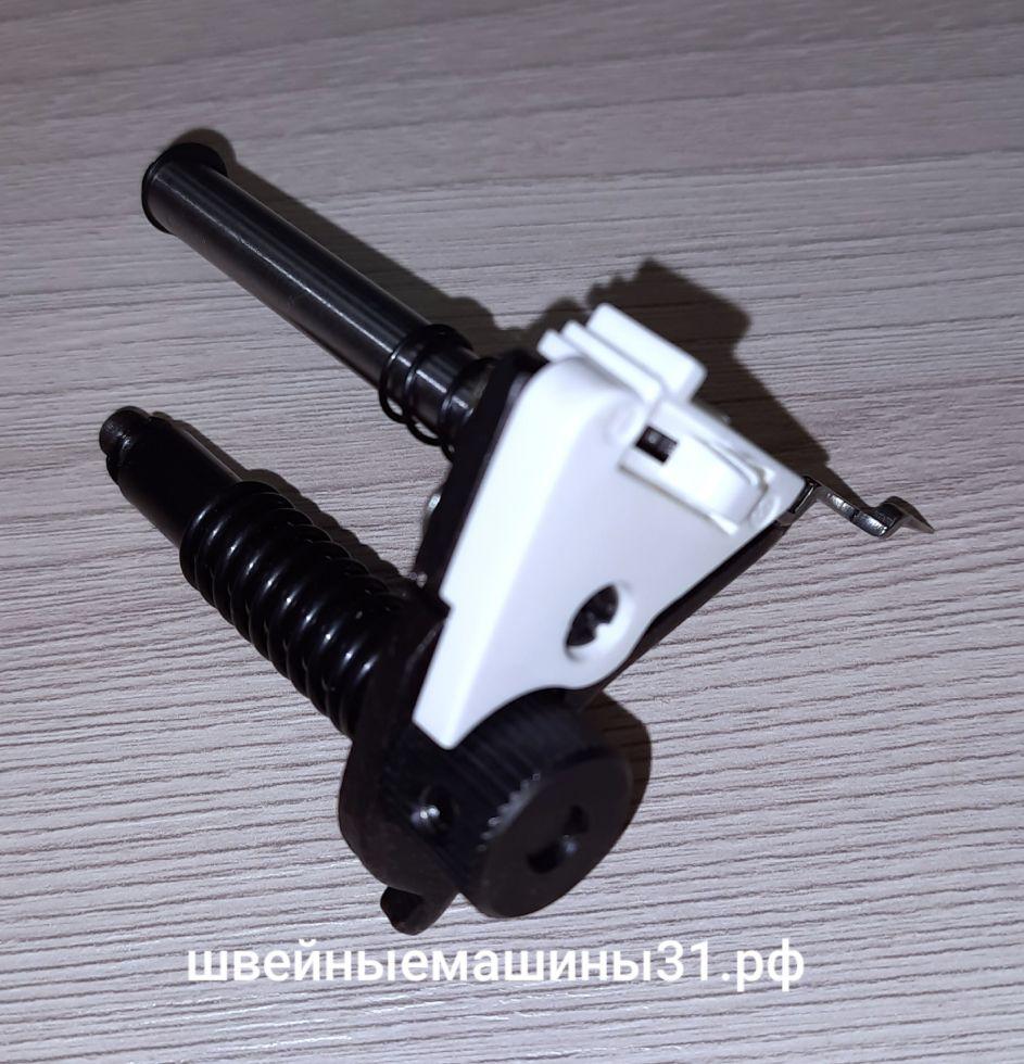 Регулятор изменения ширины стежка с петлеобразующим пальцем Leader VS 325D.       Цена 1000 руб