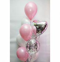Облако из воздушных шаров с серебряным сердечком