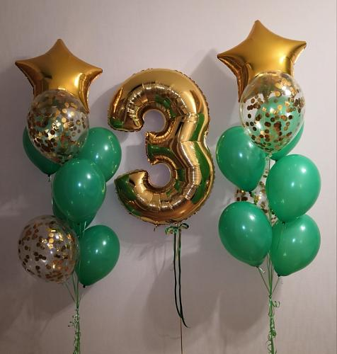 Облако из гелиевых шаров с цифрой 3