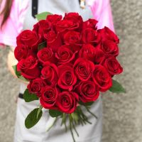 АКЦИЯ! 25 красных роз 60см