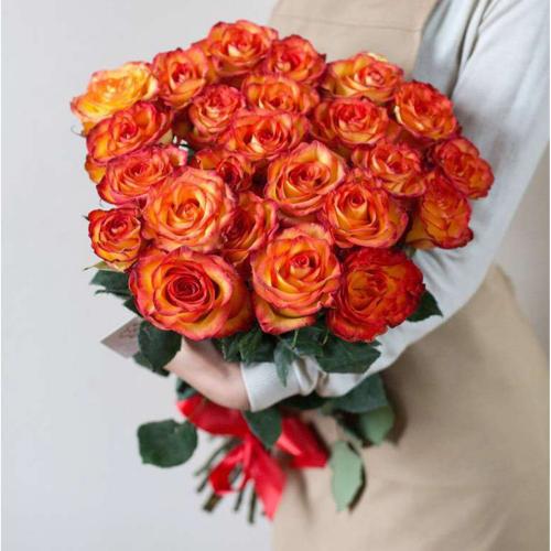 25 оранжевых пионовидных роз