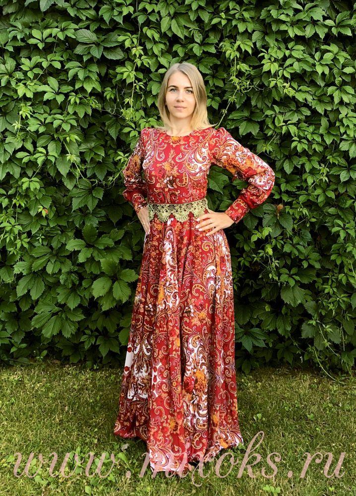 Платье из платка бордовое