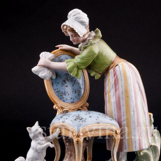 Изображение Горничная с кошкой, Volkstedt, Германия, кон 19 века.