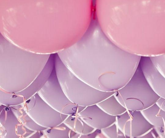 Ассорти розовый и лиловый латексных шаров с гелием