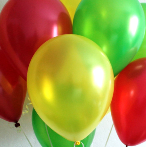 Ассорти желтый металлик, красный металлик, зеленый металлик латексных шаров с гелием