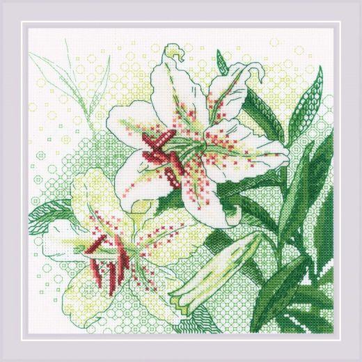 Набор для вышивания крестом Белые лилии №1915 фирма Риолис