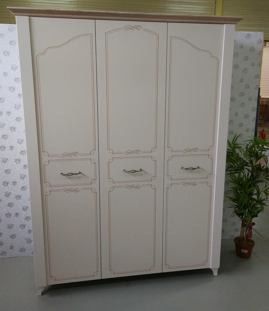 Шкаф трехдверный Элен мод.7