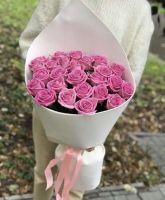 25 розовых роз  60 см в красивой упаковке