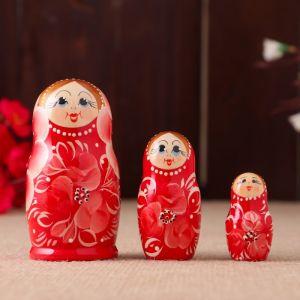 Матрёшка «Розовые цветы», красное платье, 3 кукольная, 10 см