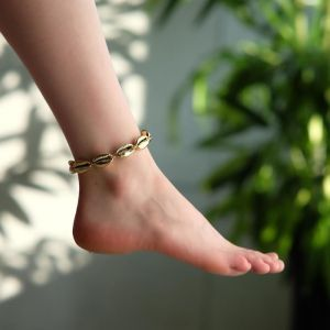 "Браслет на ногу ""Ракушки"" глянец, цвет золото на бежевой нити, L=11см"
