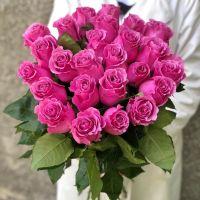 25 шикарных розовых роз