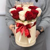 15 роз в шляпной коробке (топпер на выбор)
