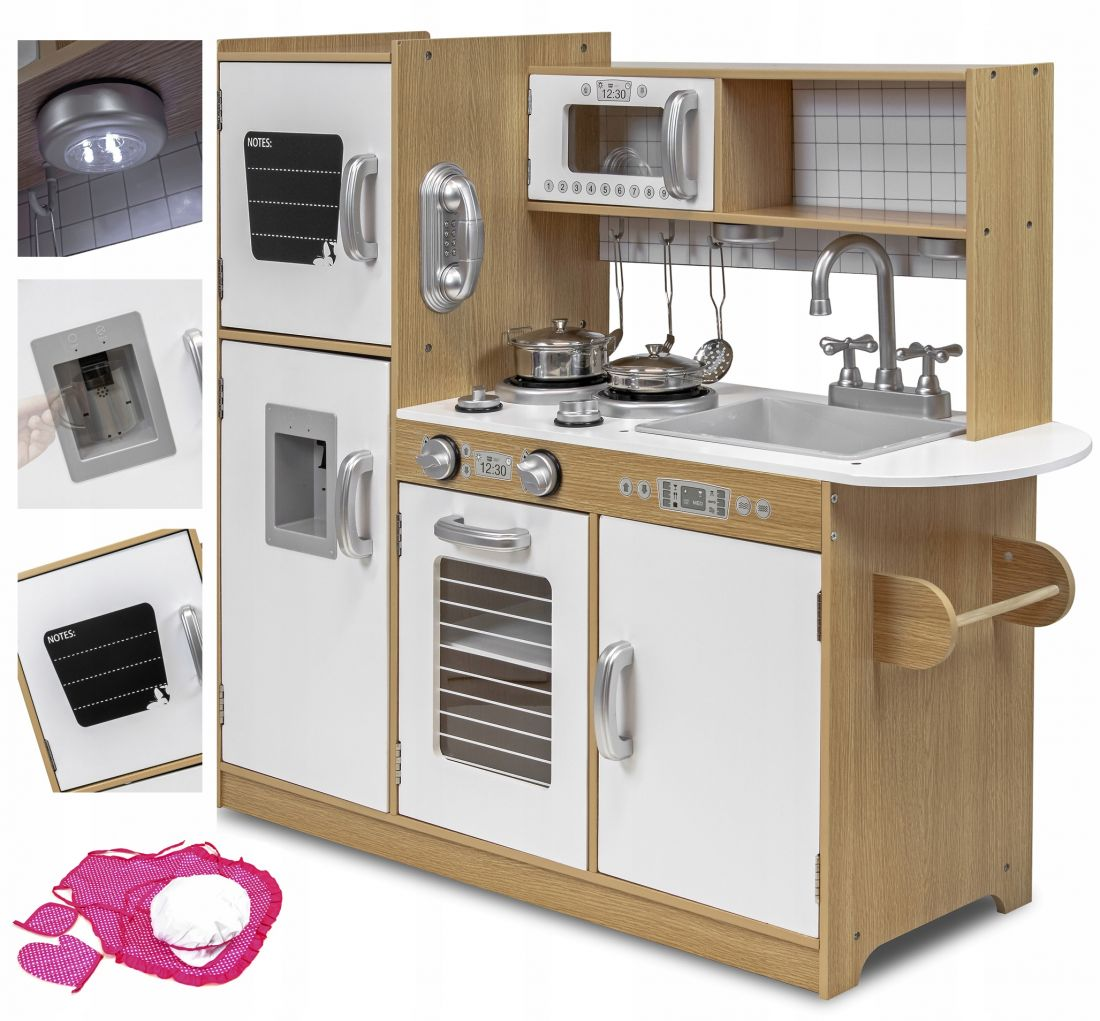 Кухня деревянная большая