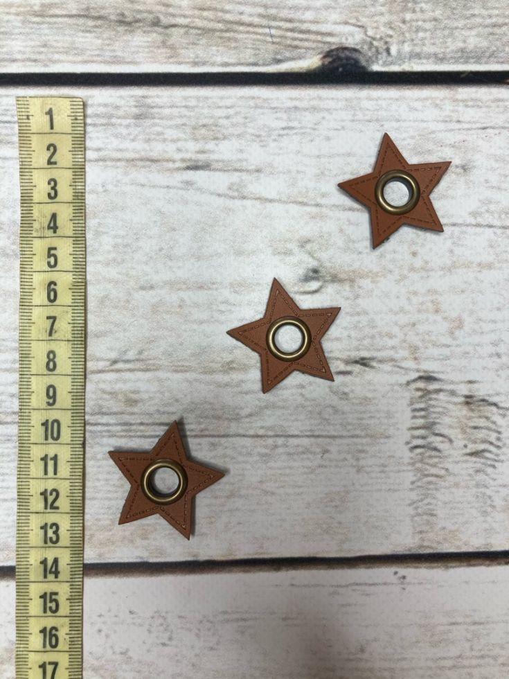 нашивка коричневая звезда с люверсом