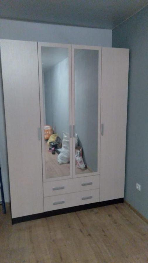 шкаф распашной Квадро