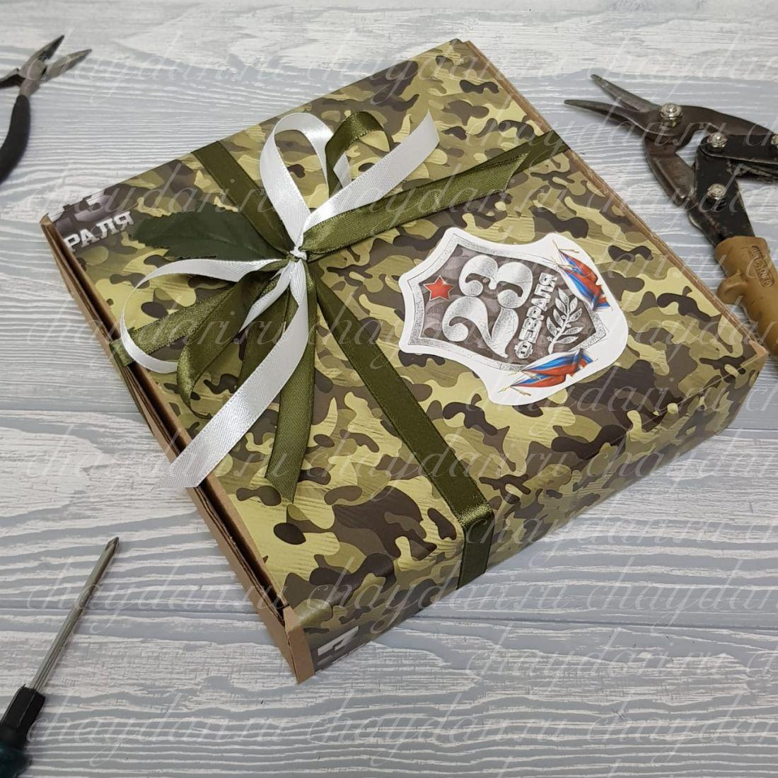 Коробка с чаем и сладостями «Камуфляж к 23 февраля»