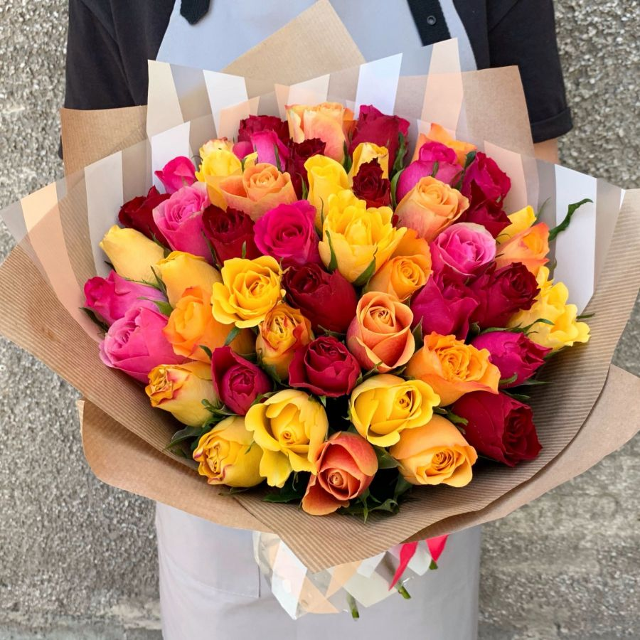 51 роза микс (40 см, Кения)