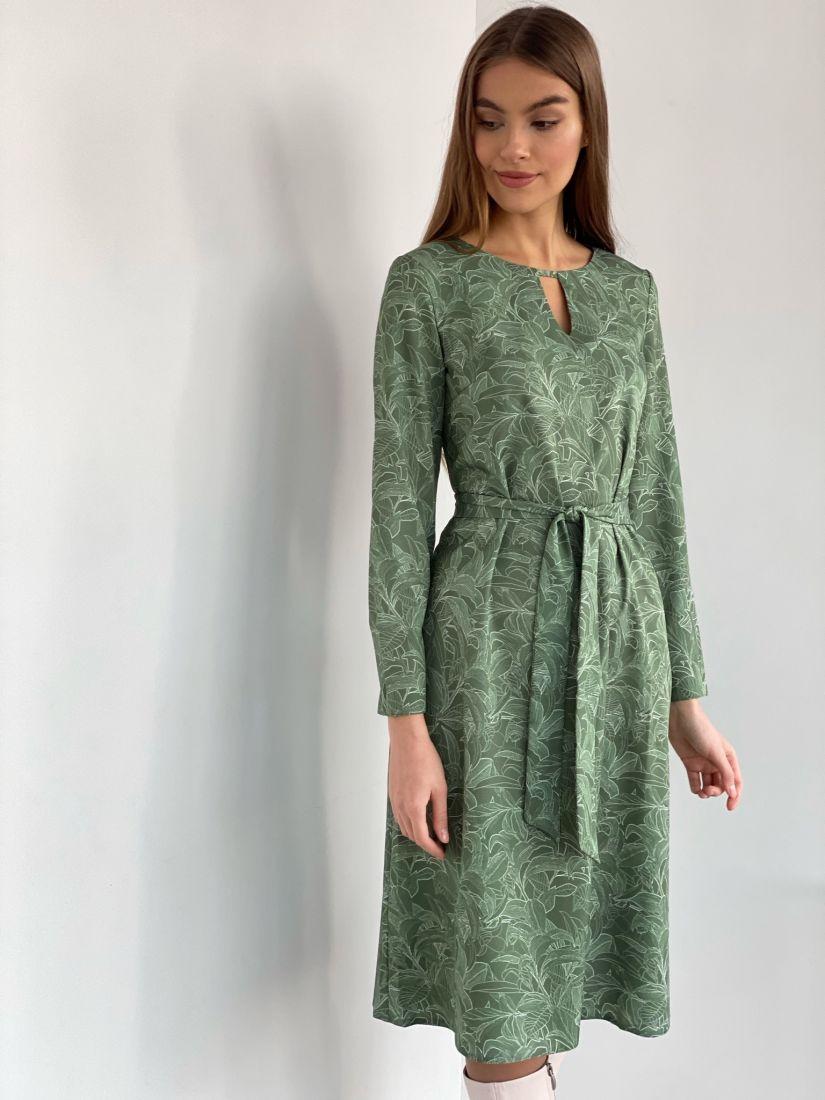 s2792 Платье с фигурным вырезом в зелёном