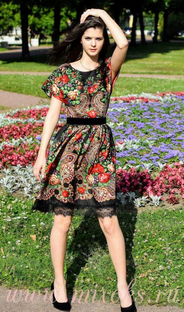 Платье мини с короткими рукавами