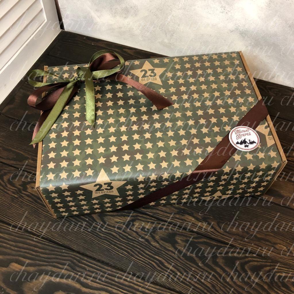 """Подарочный набор набор с чаем, сладостями, медом и термокружкой """"Богатый для партнера на 23 февраля"""""""