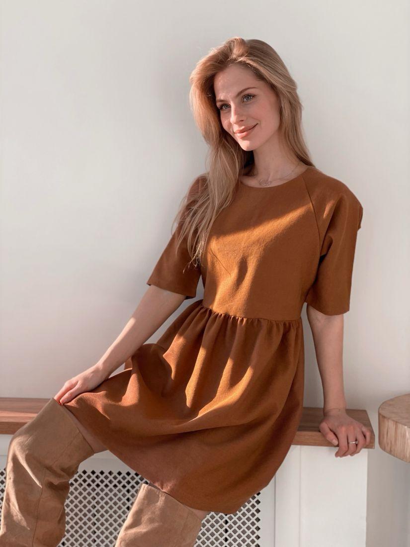 s3698 Платье из микровельвета в цвете camel