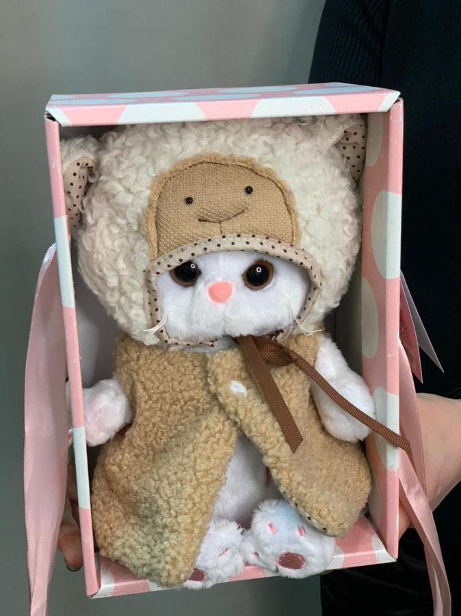 Мягкая игрушка Basik Кошка Ли-Ли в костюме «Овечка»