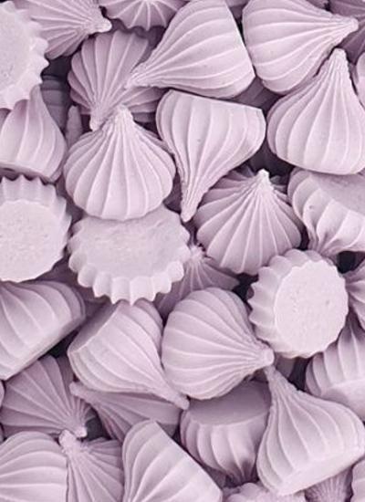 Сахарные фигурки Безе рифленые крупные сиреневые