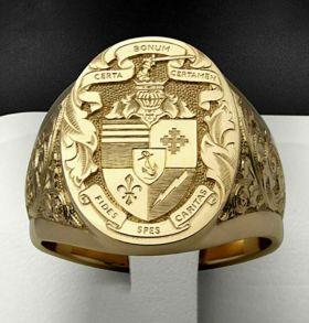 Позолоченный перстень с гравированным щитом и орнаментом (арт. 880324)