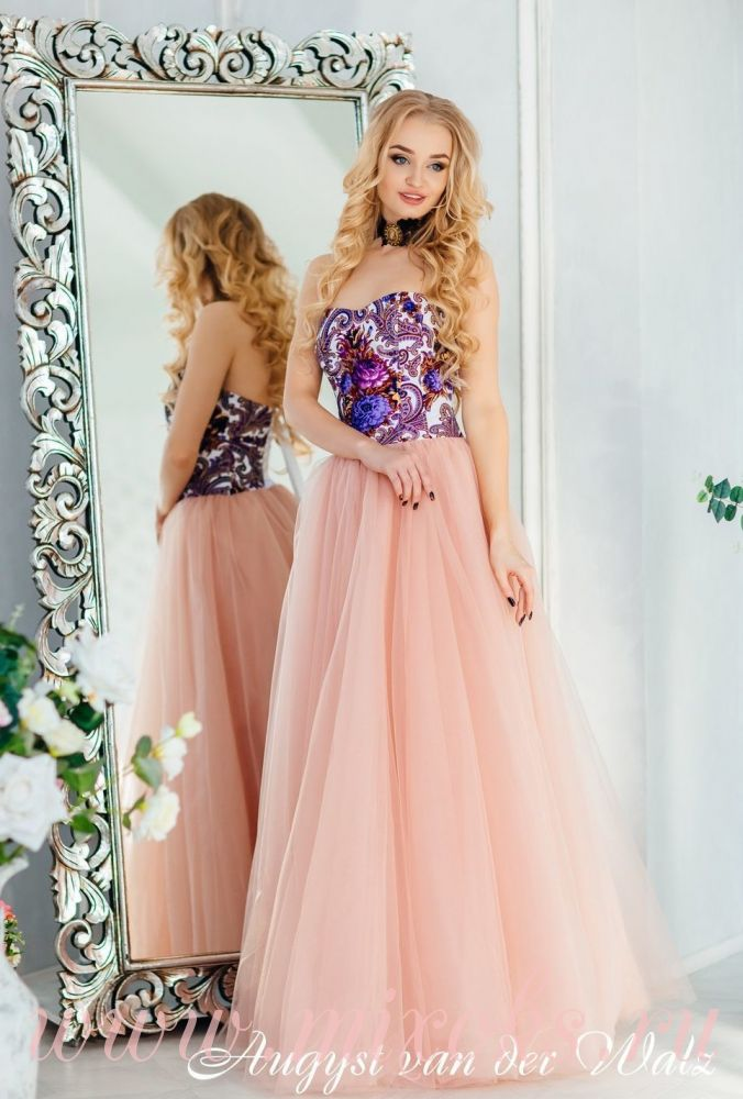 Вечернее платье на выпускной с корсетом