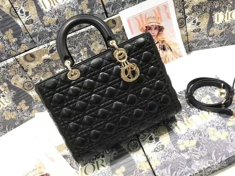 Lady Dior 32 cm