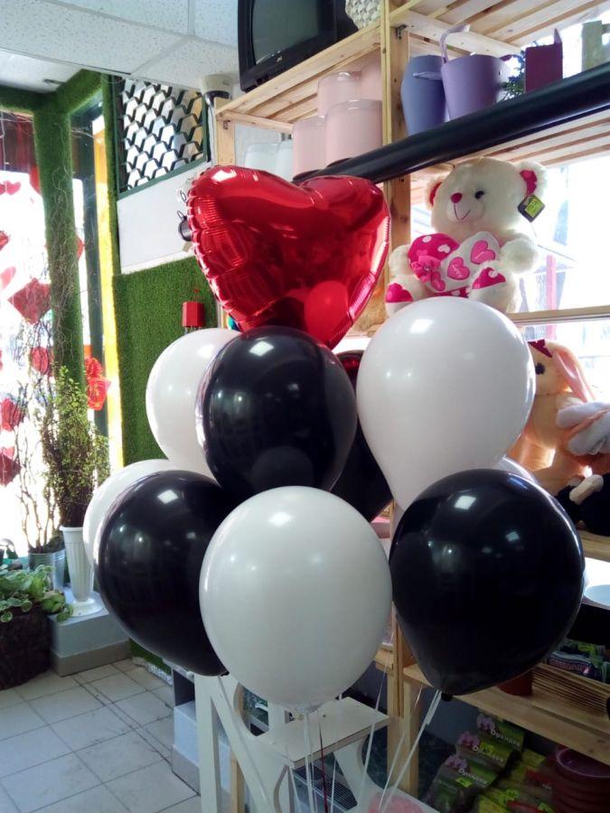 набор шариков черно-белый